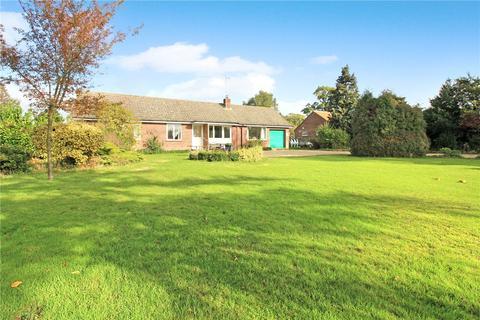 3 bedroom bungalow for sale - Framingham Lane, Bramerton, Norwich, Norfolk, NR14