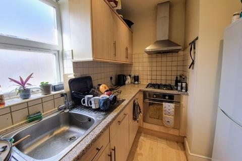 2 bedroom maisonette to rent - Delia Street, London SW18