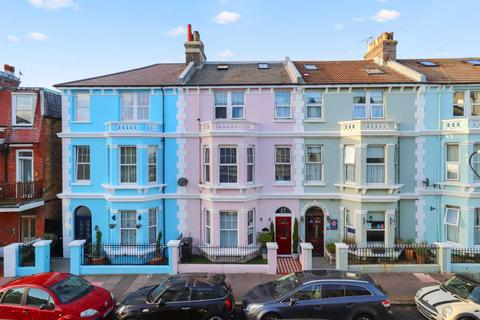 10 bedroom terraced house for sale - St Aubyns Road, Eastbourne