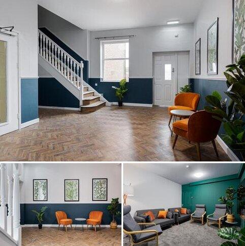 Studio to rent - Corporation Street, Stafford ST16