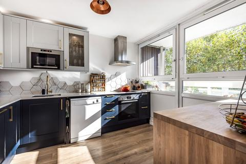 3 bedroom flat for sale - John Ruskin Street London SE5