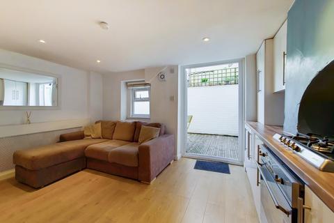 1 bedroom flat for sale - New Cross Road, New Cross, SE14