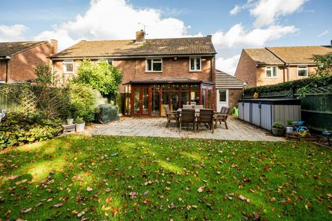 3 bedroom semi-detached house for sale - 144, Templewood, Walter's Ash HP14 4UF