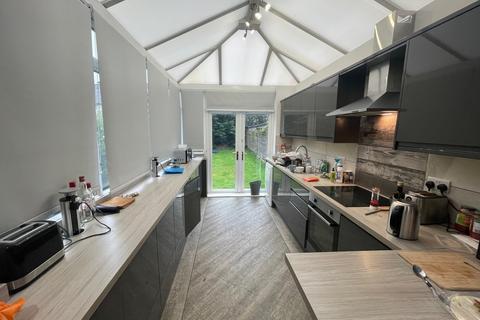 7 bedroom semi-detached house to rent - St. Annes Road, Leeds, West Yorkshire, LS6