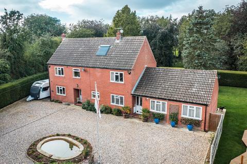 4 bedroom detached house for sale - Great Fransham