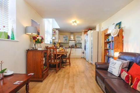 1 bedroom apartment for sale - Brook Road, London