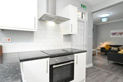 5 bedroom terraced house to rent - 9 Penrhyn Road