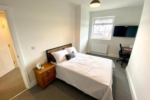 2 bedroom flat to rent - Flat C, 13 Wharncliffe Road