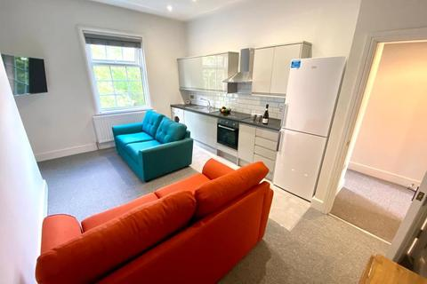2 bedroom flat to rent - Flat D, 13 Wharncliffe Road