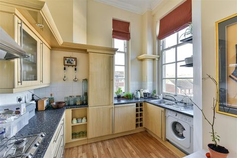 1 bedroom apartment to rent - Royal Earlswood Park, Redhill