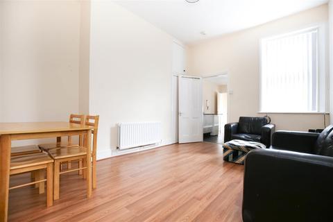 3 bedroom flat to rent - (£72PPPW) Warwick Street, Heaton, Newcastle Upon Tyne