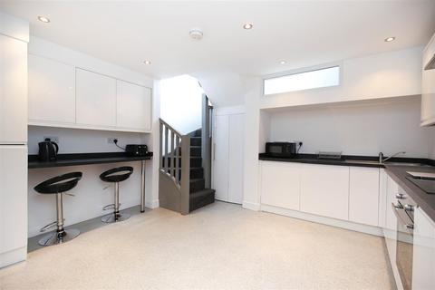 4 bedroom apartment to rent - Simpson Terrace, Shieldfield, NE2
