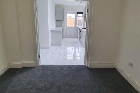 2 bedroom flat to rent - 7 Somerset Road, Southall, Middlesex