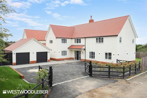 5 bedroom detached house for sale - Common View, Bumbles Green, EN9
