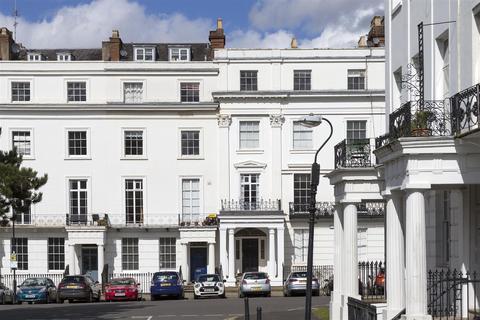 2 bedroom apartment for sale - Clarendon Square, Leamington Spa