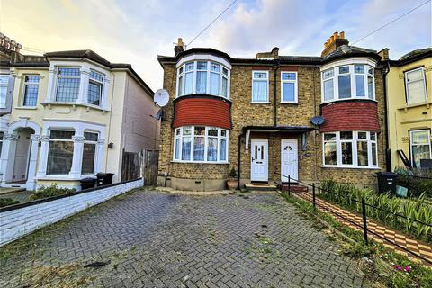 3 bedroom semi-detached house to rent - Empress Avenue, Ilford IG1