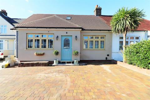4 bedroom semi-detached bungalow to rent - Marley Avenue, Bexleyheath