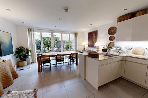 4 bedroom terraced house to rent - Emerald Square, Roehampton, SW15 5FP