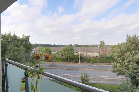 2 bedroom flat for sale - Perkins Gardens, Ickenham, UB10