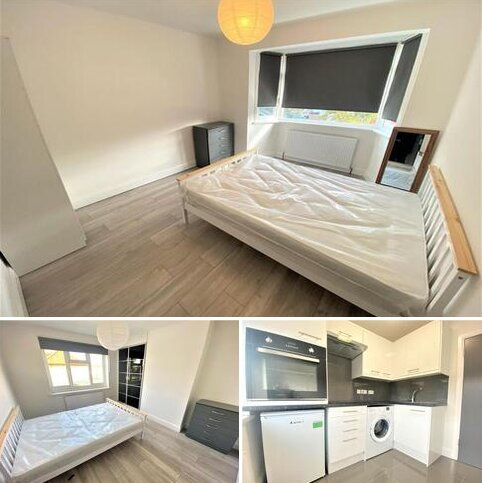 2 bedroom house share to rent - Malham Terrace, Dyson Road, N18 2BB