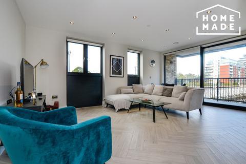 2 bedroom flat to rent - Battersea Park Road, Battersea, SW8