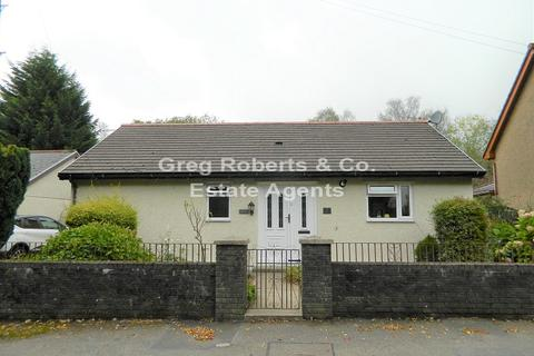 3 bedroom bungalow for sale - Old Brewery Lane, Rhymney, Caerphilly County, NP22 5HT