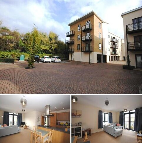 2 bedroom flat to rent - Birtchnell Close, Berkhamsted