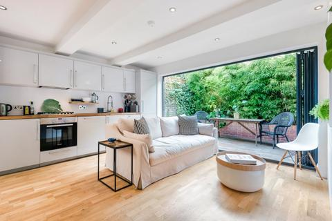 2 bedroom flat to rent - Latchmere Road Battersea SW11