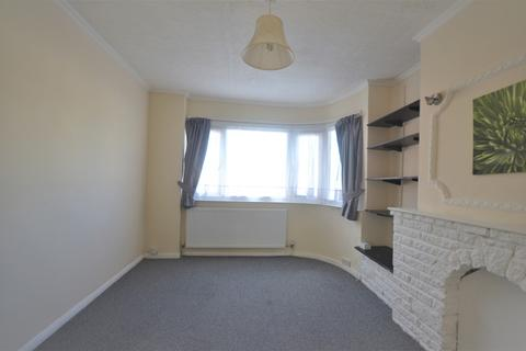 2 bedroom flat to rent - Tomswood Hill, IG6 2HP