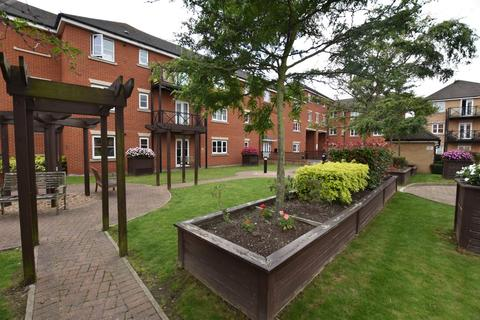2 bedroom flat to rent - Oakside Court, IG6 2PH