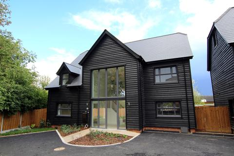 4 bedroom detached house for sale - Tavern Close, Barkway Road, Royston