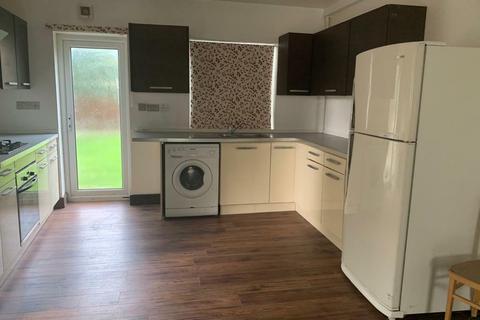 2 bedroom maisonette to rent - Golda Close-Barnet