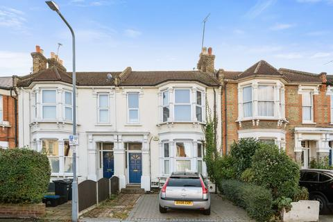 2 bedroom apartment for sale - Lonsdale Road, Wanstead