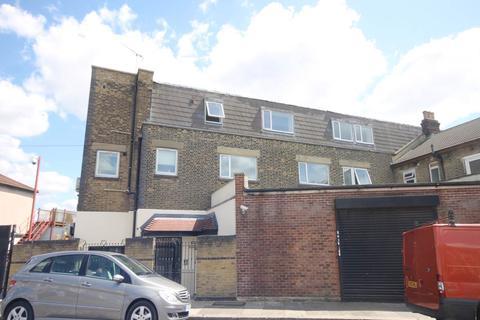 2 bedroom flat to rent - Alegria Court, 2 Pembroke Road, Ilford