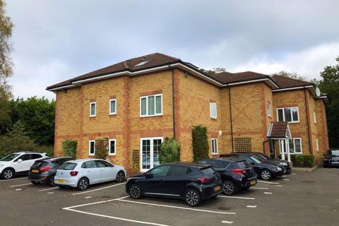1 bedroom ground floor flat to rent - Ronald Court, Oakwood Road, Bricket Wood, St. Albans, Hertfordshire, AL2 3ET
