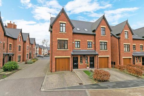 4 bedroom semi-detached house to rent - The Moorings, Worsley