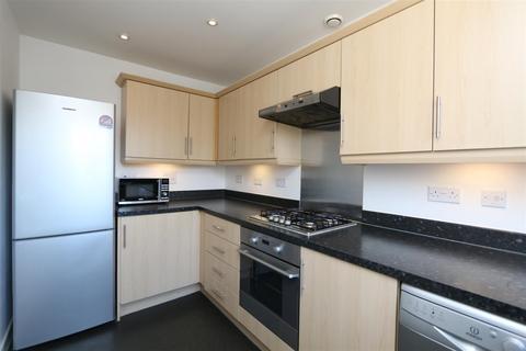 2 bedroom house to rent - Bramhope Lane, London