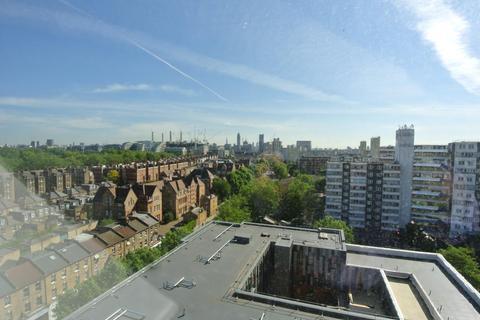 3 bedroom apartment to rent - Austin Road, London