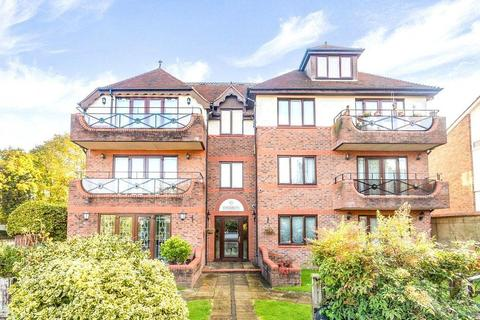 2 bedroom flat for sale - Kings Chase View, 60 The Ridgeway, Enfield