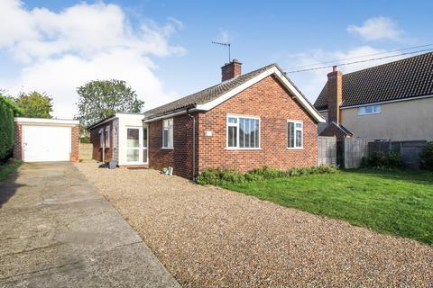 4 bedroom bungalow to rent - Flying Otters, Chapel Road, Otley, Ipswich
