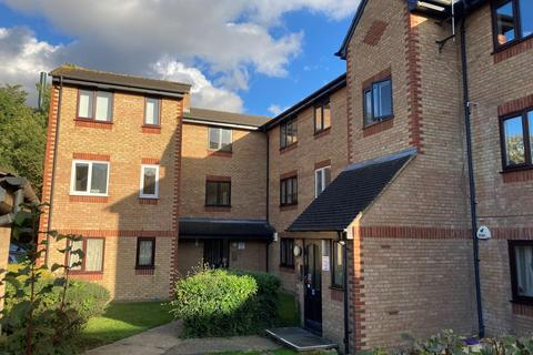 2 bedroom apartment to rent - Latimer Drive, Hornchurch