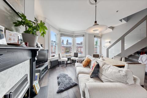 3 bedroom apartment for sale - Bathurst Gardens, London, NW10