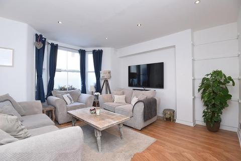 3 bedroom flat for sale - Lydford Road, Maida Vale