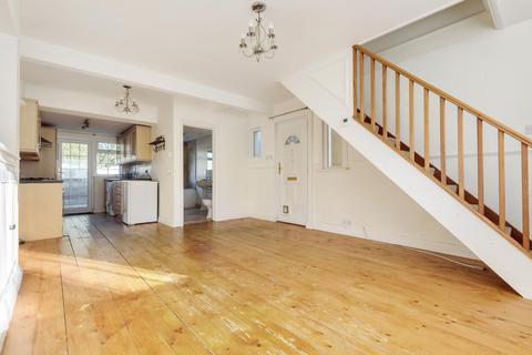 2 bedroom semi-detached house to rent - Primrose Road, Hersham, Walton-On-Thames, KT12