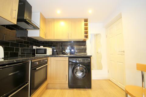1 bedroom maisonette to rent - Kinderton Close, Southgate N14