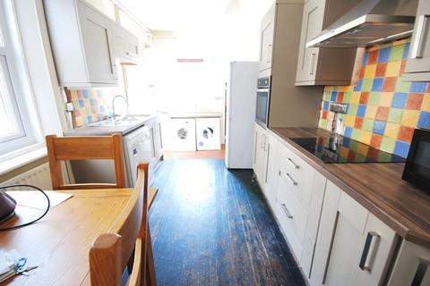 6 bedroom terraced house to rent - Sunbury Avenue, Jesmond