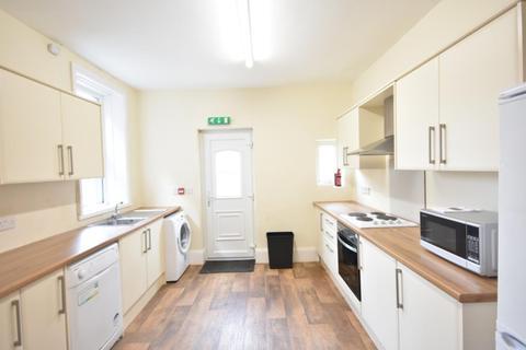 6 bedroom terraced house to rent - Fern Avenue, Jesmond