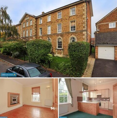 3 bedroom end of terrace house for sale - TRINITY