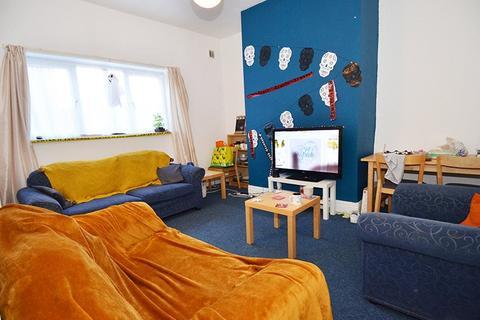 6 bedroom house to rent - King John Terrace, Heaton,