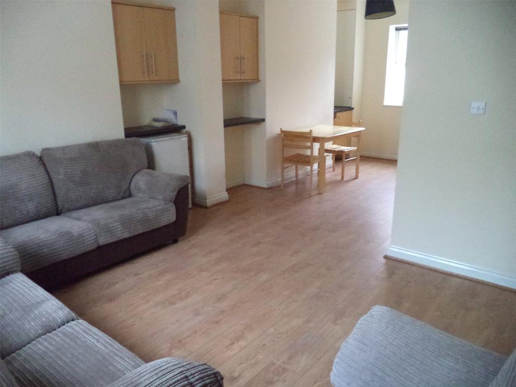 7 Bedrooms Terraced House for rent in Clayton Park Square, Jesmond, NE2